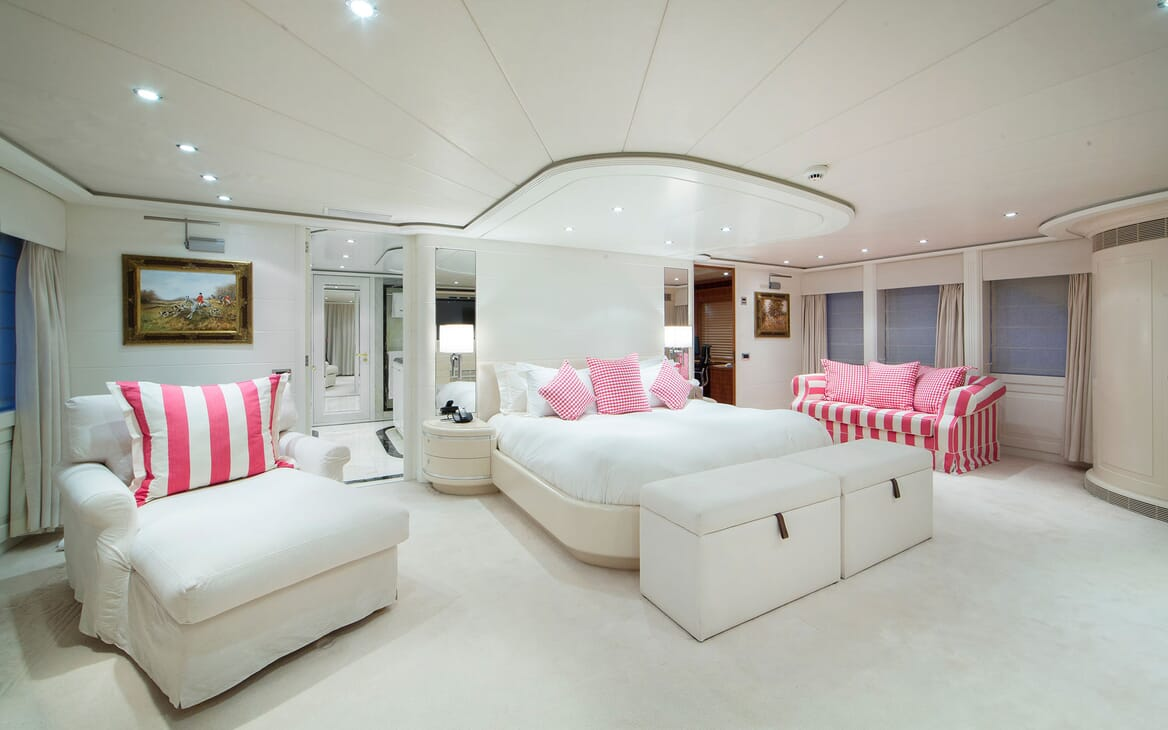 Motor Yacht Mac Brew Master Stateroom