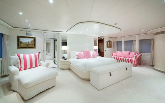 Motor Yacht Mac Brew Master Stateroom