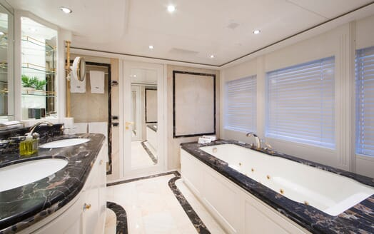 Motor Yacht Mac Brew Bathroom