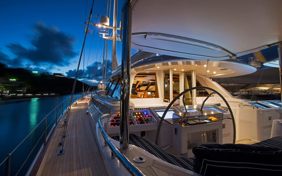 Sailing Yacht HYPERION Wheel