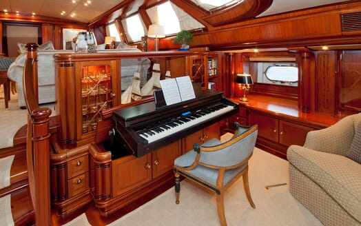 Sailing Yacht HYPERION Piano