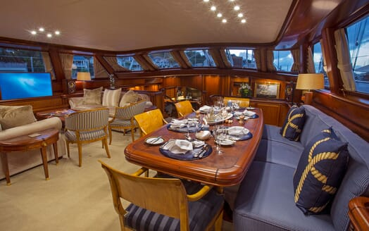 Sailing Yacht HYPERION Main Saloon and Dining