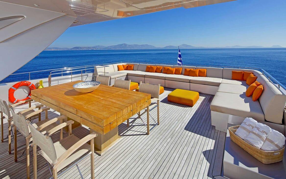 Motor Yacht Aqua outdoor seating area