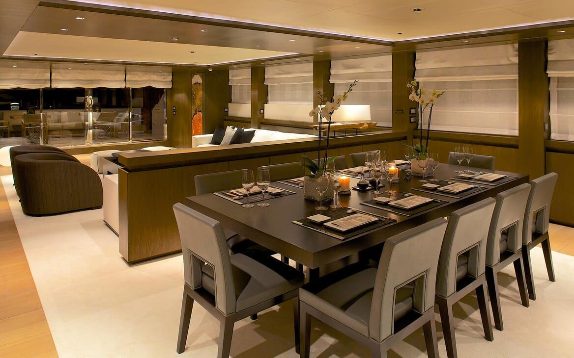 Motor Yacht Aqua dining area