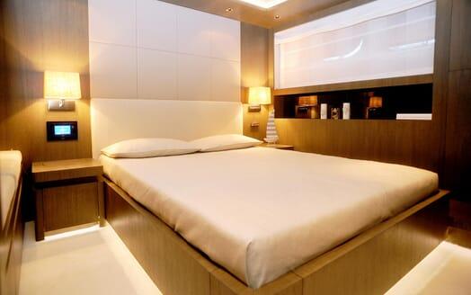 Motor Yacht Aqua VIP cabin