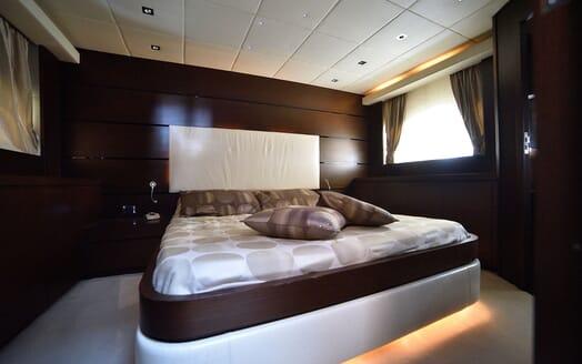 Motor Yacht ANDEA Main Saloon