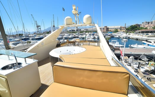 Motor Yacht ANDEA Sundeck Seating