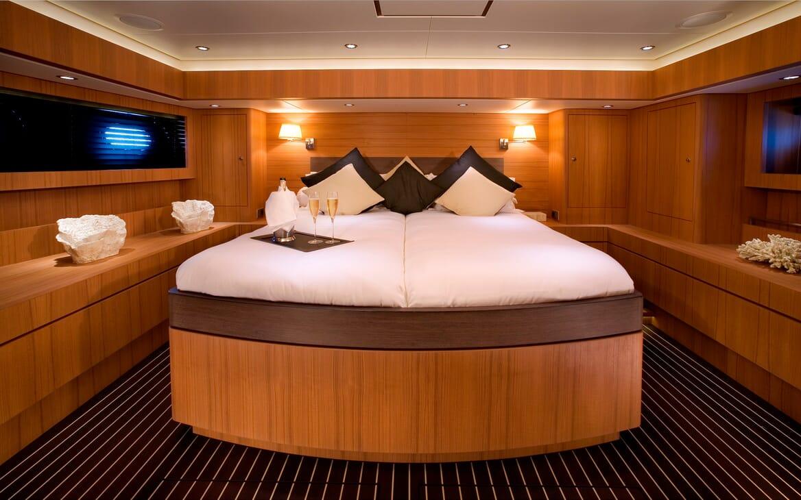 Sailing Yacht Icarus master cabin