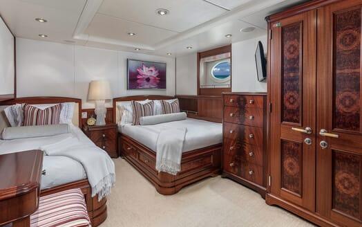 Motor Yacht Avalon Twin Stateroom