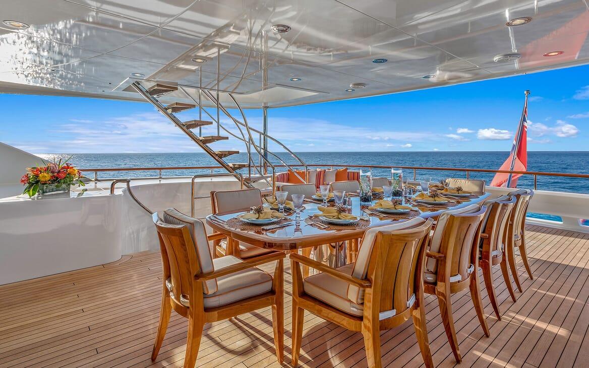 Motor Yacht Avalon Aft Dining