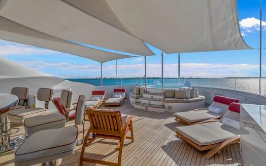 Motor Yacht Avalon Jacuzzi Deck