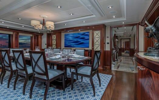 Motor Yacht Avalon Dining Table
