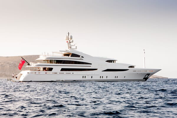 Motor Yacht ST DAVID Hero Profile