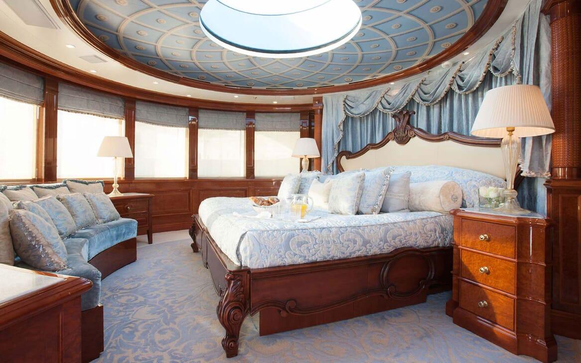 Motor Yacht ST DAVID Master Stateroom