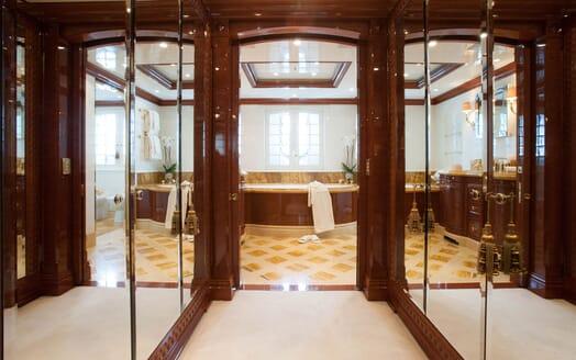 Motor Yacht ST DAVID Bathroom and Closet