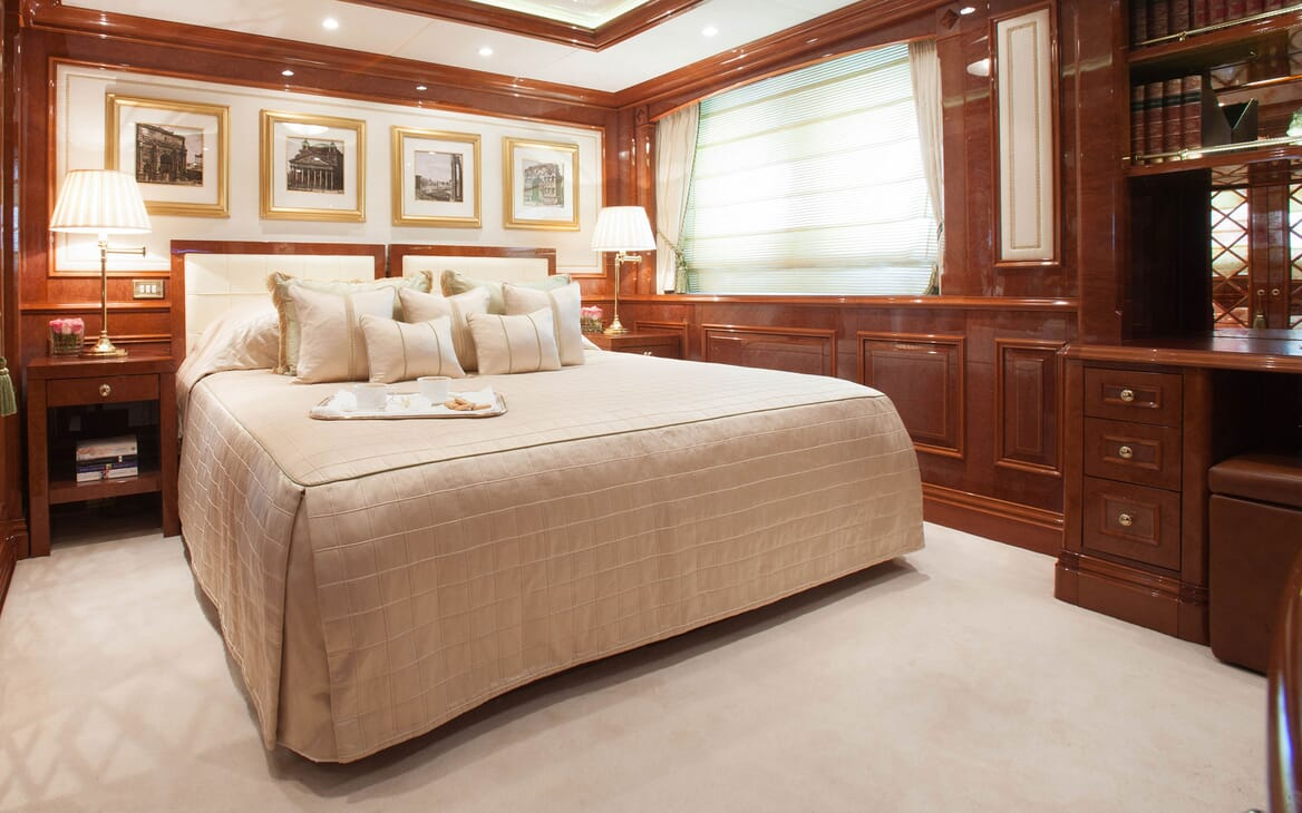 Motor Yacht ST DAVID VIP Double Stateroom