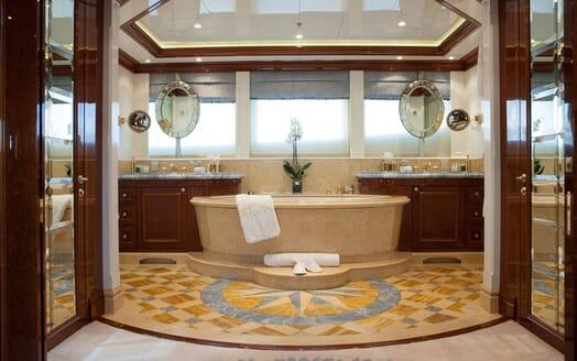 Motor Yacht ST DAVID Master Bathroom
