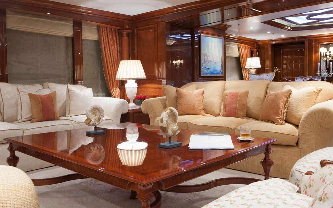 Motor Yacht ST DAVID Main Deck Salon