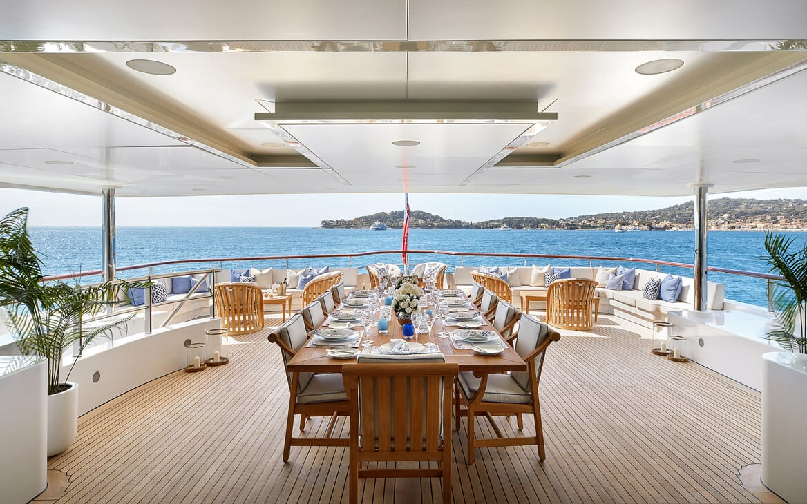 Motor Yacht ANDREAS L Aft Deck Dining Table