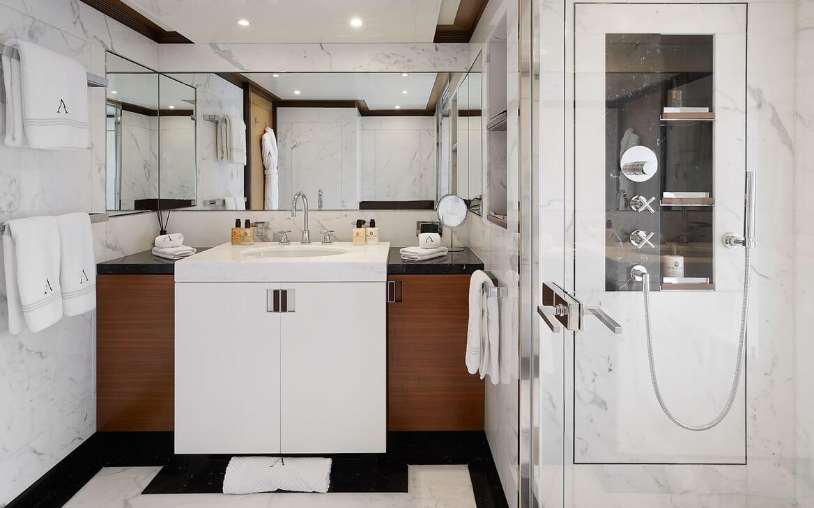 Motor Yacht ANDREAS L Bathroom