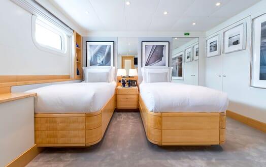 Motor Yacht LA TANIA Twin Stateroom