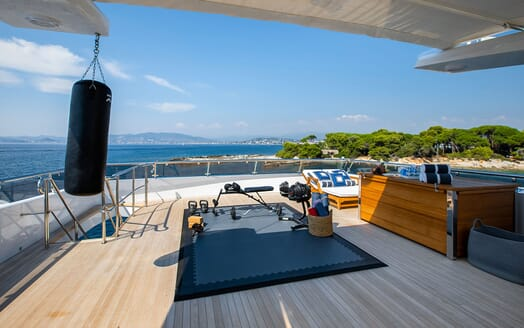 Motor Yacht LA TANIA Sun Deck Gym Set Up