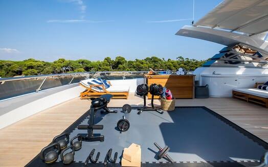 Motor Yacht LA TANIA Sun Deck Gym