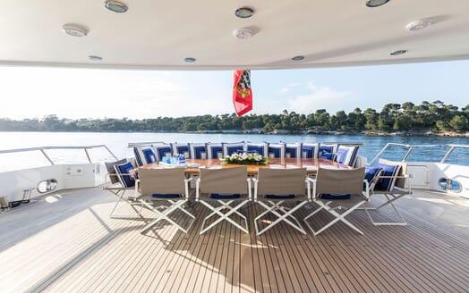 Motor Yacht LA TANIA Aft Al Fresco Dining