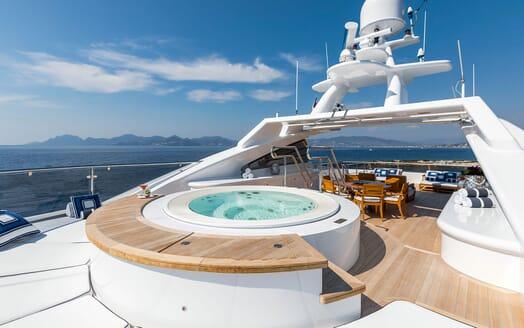 Motor Yacht LA TANIA Sun Deck Jacuzzi