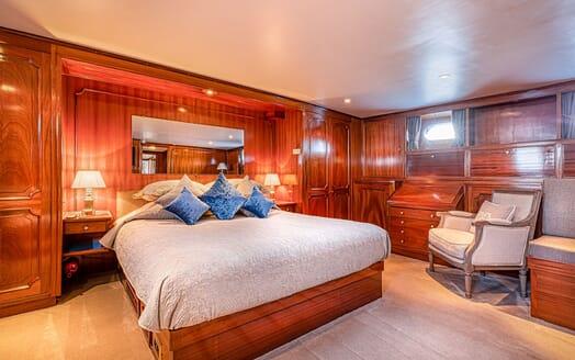 Motor Yacht CHANTELLA Double Stateroom
