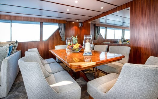 Motor Yacht CHANTELLA Dining Table