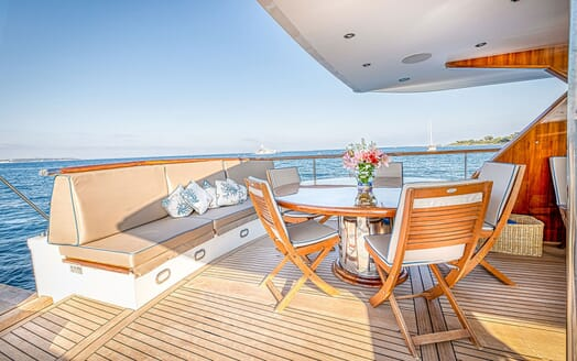 Motor Yacht CHANTELLA Aft Deck Dining Table