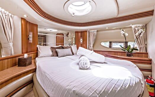 Motor Yacht Wini guest cabin