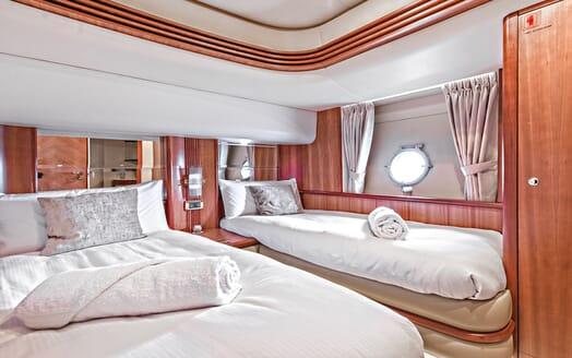 Motor Yacht Wini twin cabin
