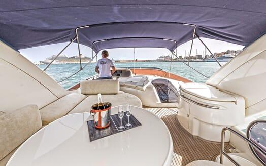 Motor Yacht Wini flydeck