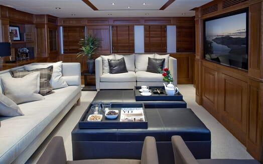 Sailing Yacht Sunny Hill salon