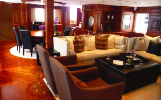 Sailing Yacht Sunny Hill saloon