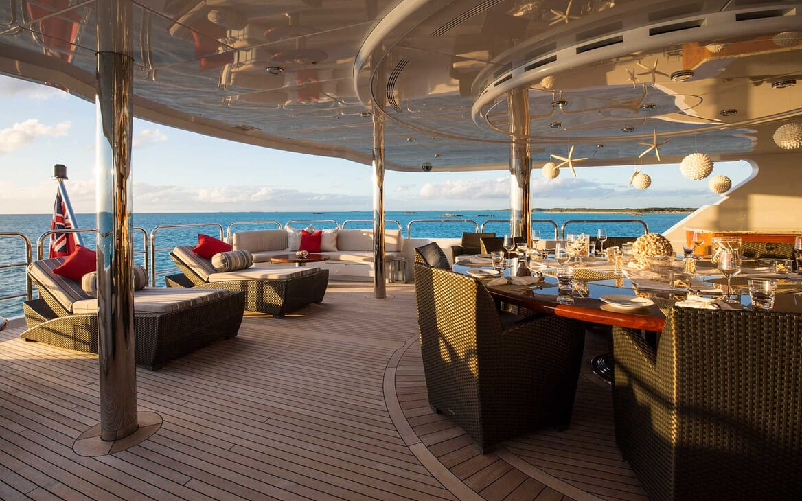 Motor Yacht Remember When outdoor seating