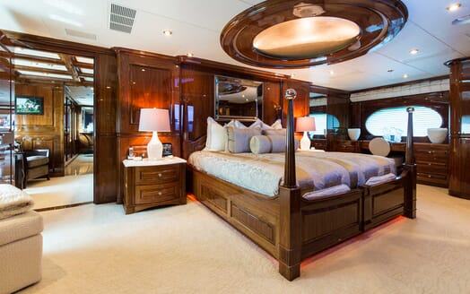 Motor Yacht Remember When master cabin