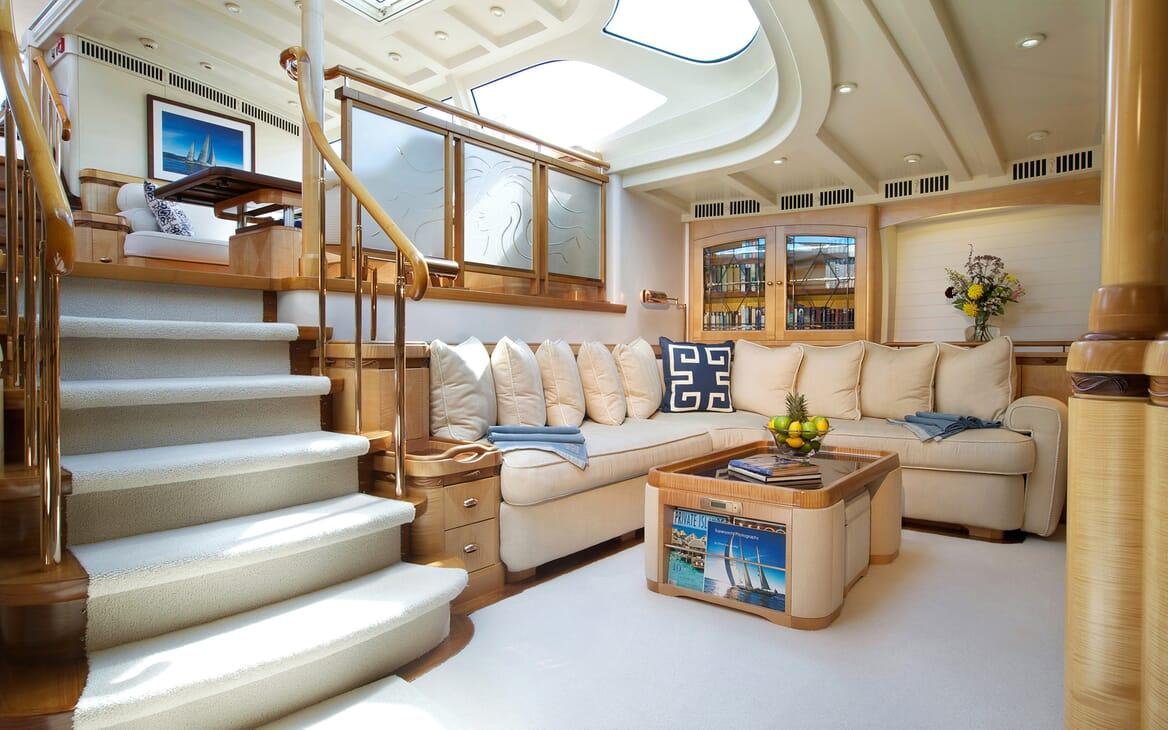 Sailing Yacht Asolare salon