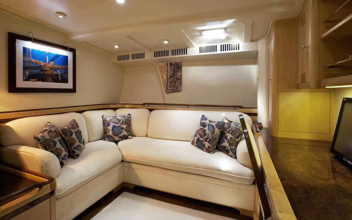 Sailing Yacht Asolare seating area