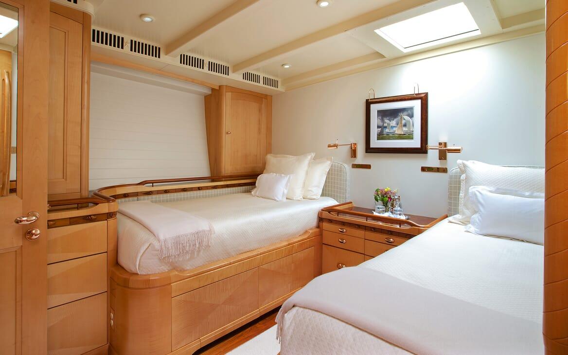 Sailing Yacht Asolare twin cabin
