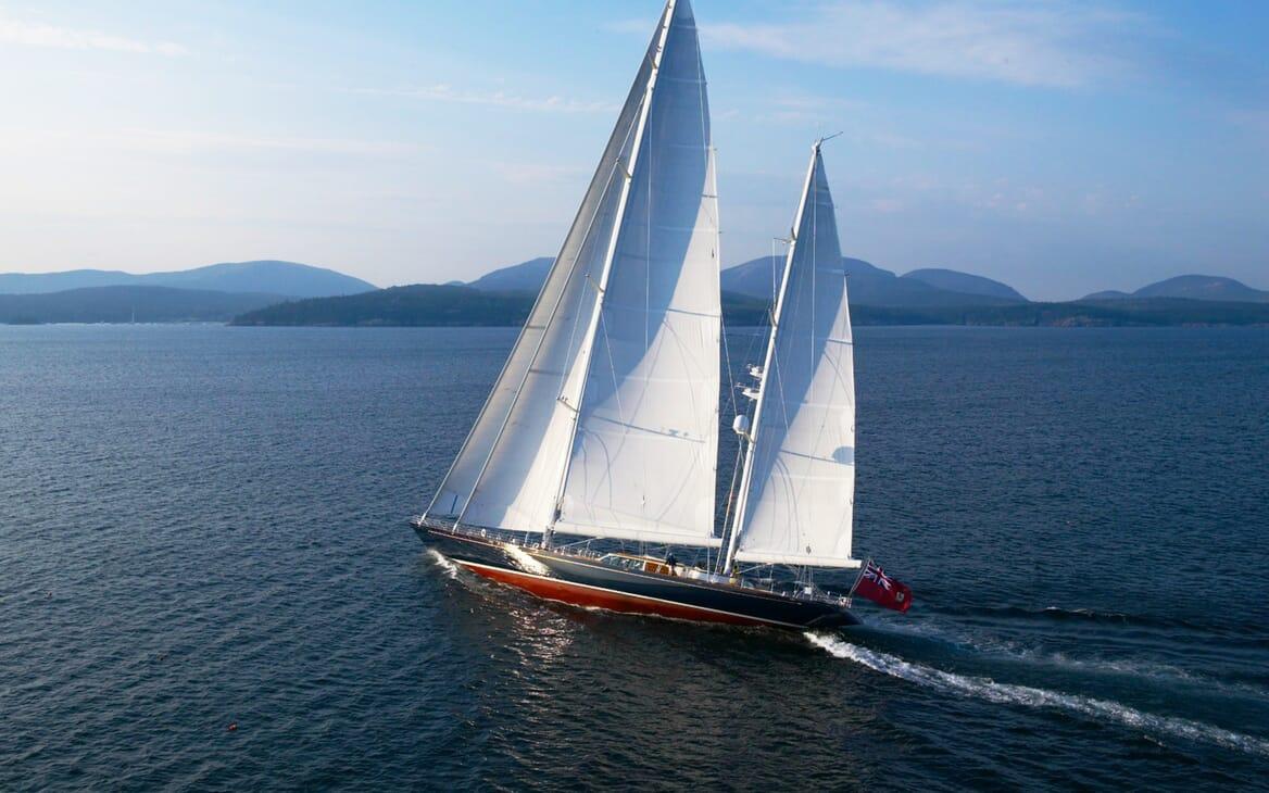 Sailing Yacht Asolare sailing