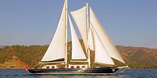 Sailing Yacht Ofelia sailing