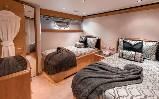Motor Yacht Nicole Evelyn double cabin