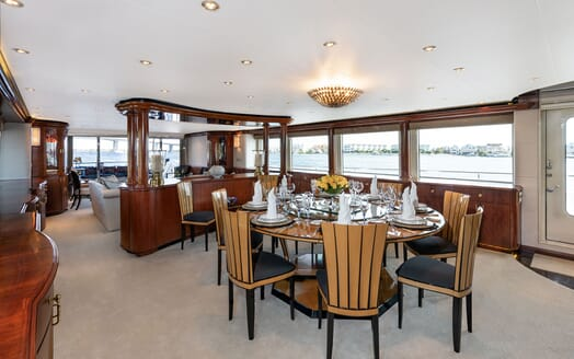 Motor Yacht Nicole Evelyn dining area