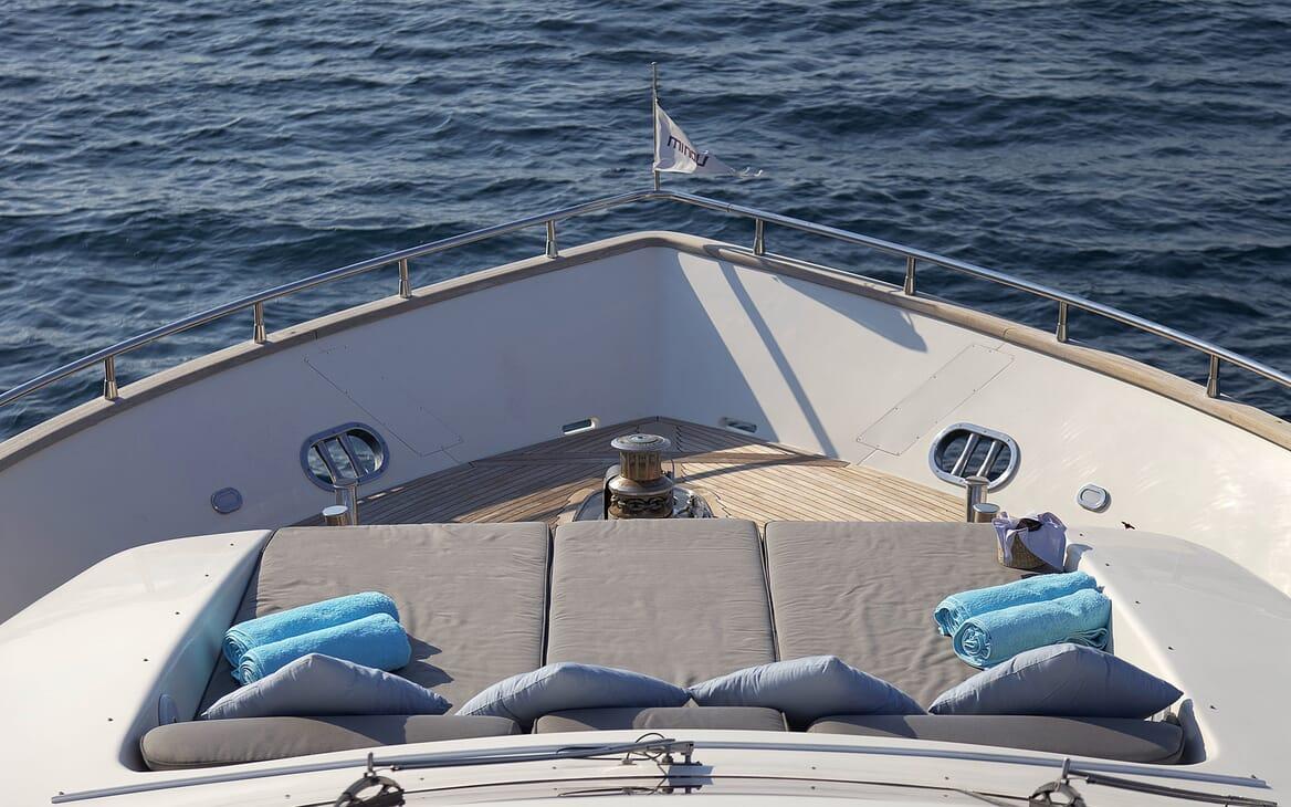 Motor Yacht Minou bow