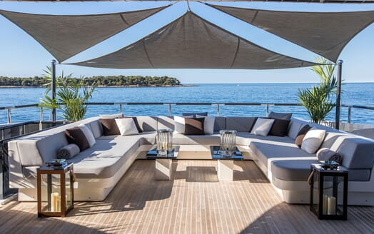 Motor Yacht TATII Sun Deck Seating