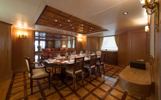 Motor Yacht TOMMY Dining Room