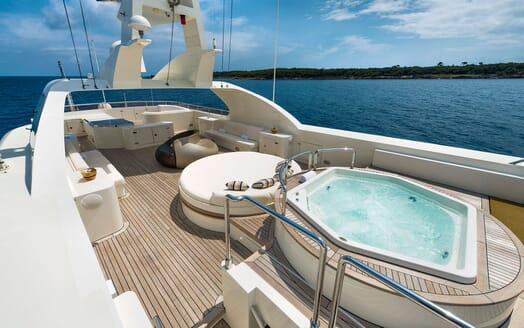 Motor Yacht TOMMY Sun Deck Jacuzzi